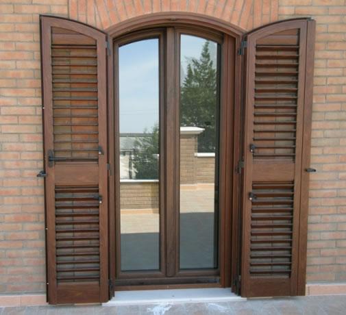 Infissi funari finestre e persiane in alluminio e pvc for Infissi esterni in alluminio prezzi